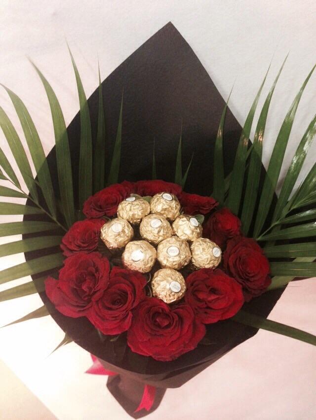 Ferrero Rocher Red Roses Bouquet Flowers In Jordan