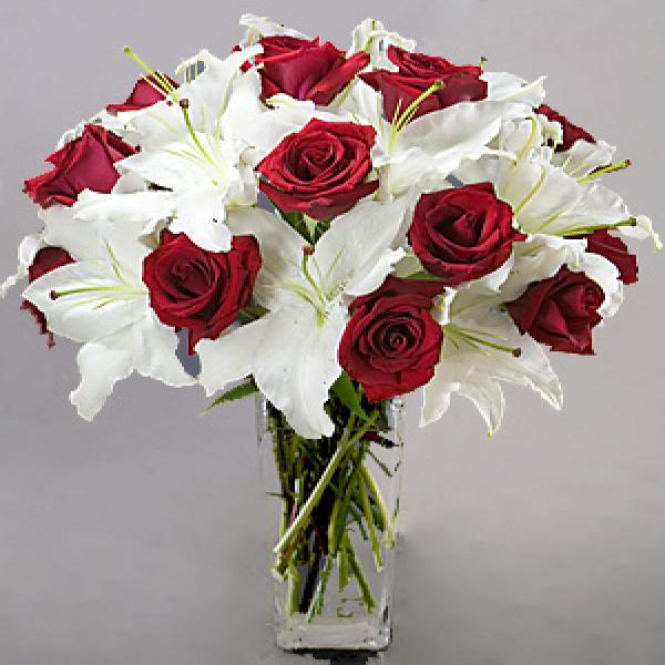 Red Roses & White Lilies Passion | Flowers in Jordan ...